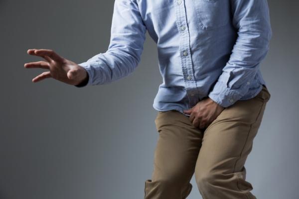 чувство жжения или боли в процессе мочеиспускания