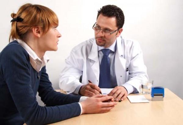 пациент на приеме у врач