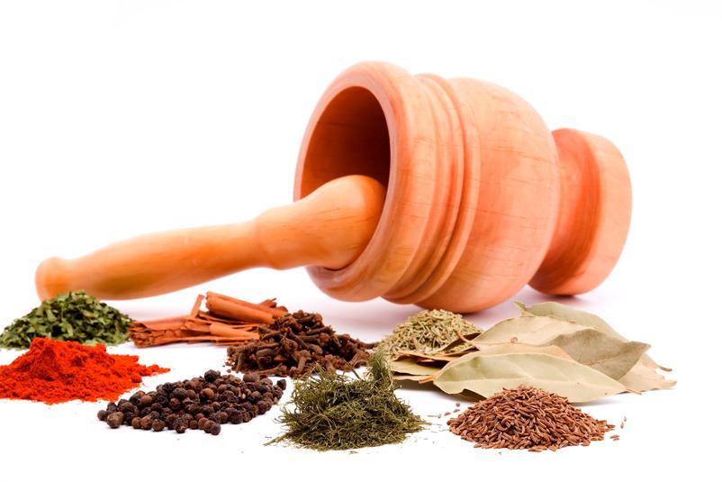 деревянная кадка и различные семена