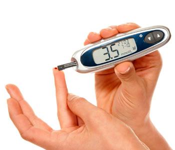 отслеживать уровень сахара