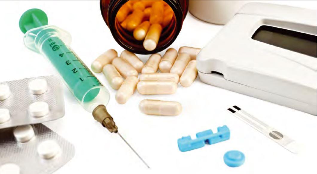 лекарства и шприц